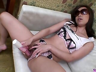 asian sakiko sucks
